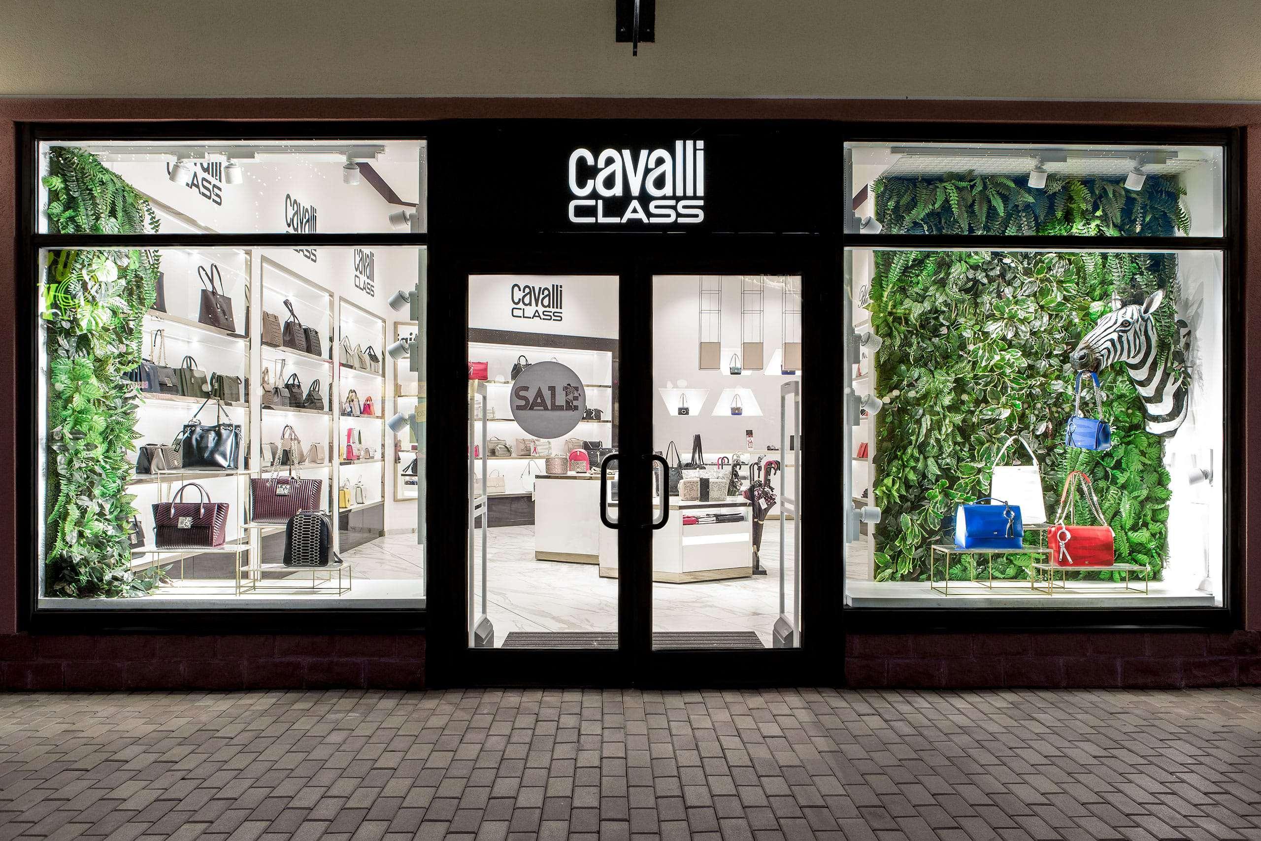 CAVALLI CLASS — первый магазин Cavalli Class в России