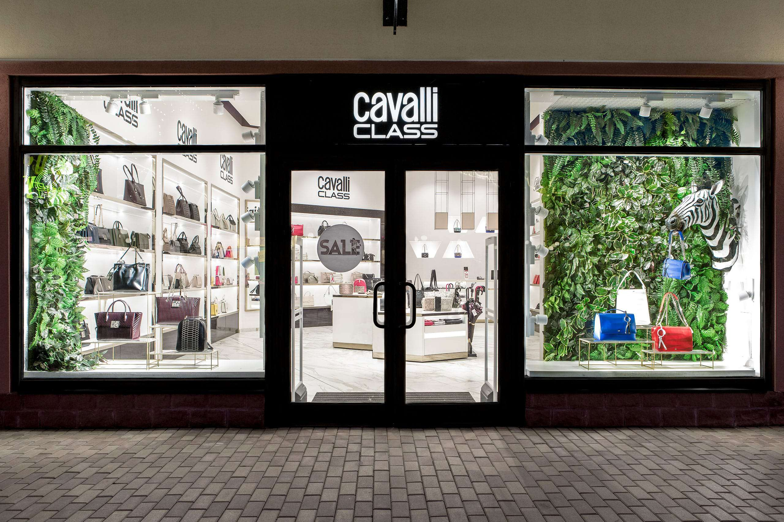Cavalli_Class_Shop_01